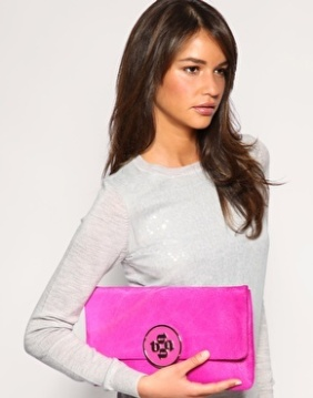 On aime les maxi pochettes! // we love maxi clutches!