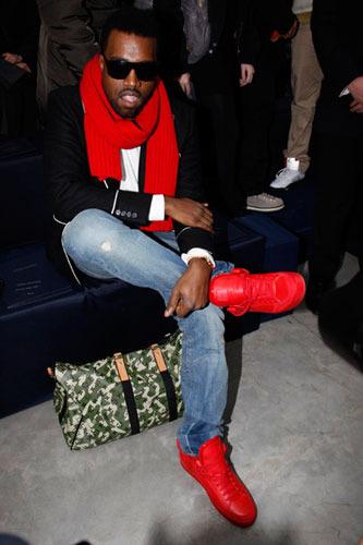 Kanye_lv1