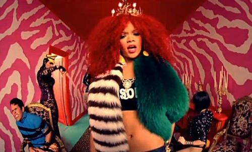 Rihanna_en_boa_prada_219_north_619x374